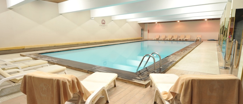italy_livigno_hotel-intermonti_indoor-pool.jpg